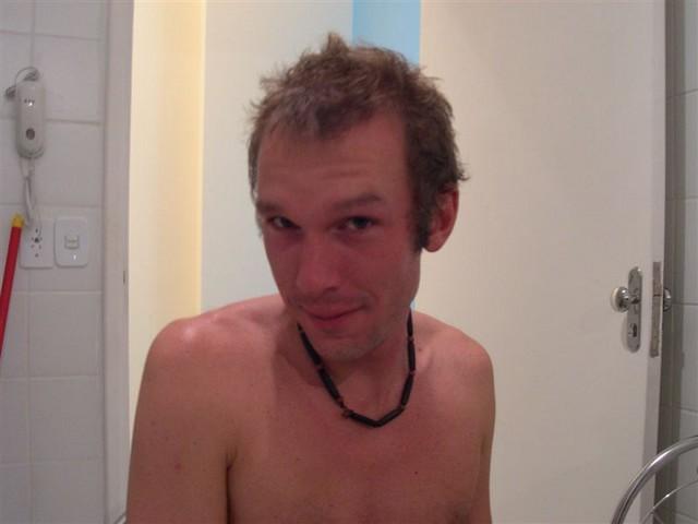 Mein Mitbewohner James in unbeabsicht vielsagender Pose