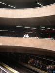 Vertikale Ansichten in der Metro-Station Fe im Zentrum Sao Paulos
